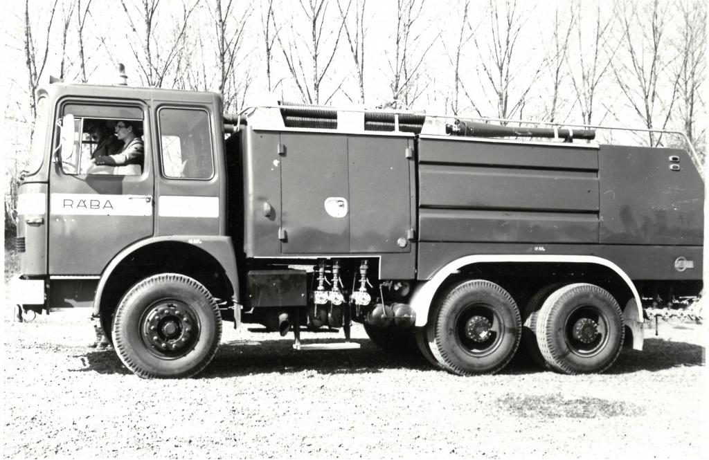 TÜ-4 habbal-oltó gépjármű