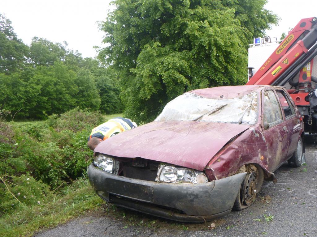 Árokba borult egy autó Bőszénfa térségébe