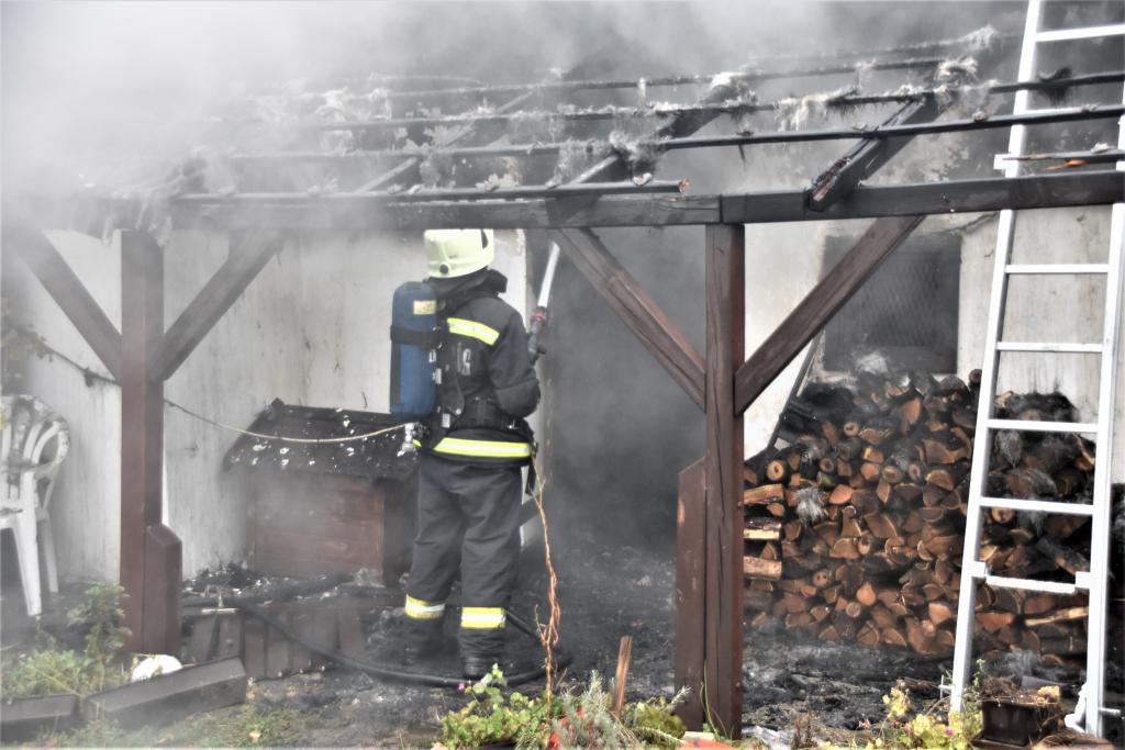 Lángokban állt egy épület Kaposszerdahelyen című videó előképe