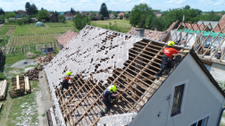 megrongálódott tető