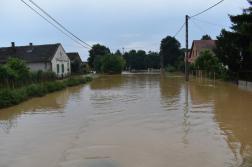 víz elöntötte az utcákat